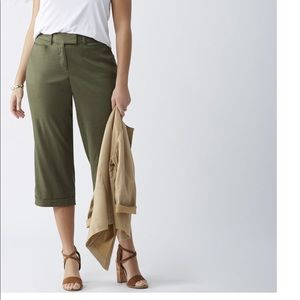 Brand New Lane Bryant Linen Crop Pants.